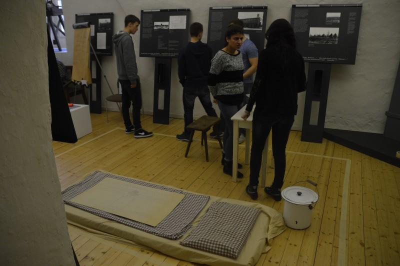 Kleingruppenarbeit in der Dauerausstellung